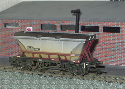 MGR Coal Hopper with canopy (R6224)