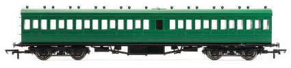 Hornby SR 58' Maunsell Rebuilt (Ex-LSWR 48') Nine Compartment Lavatory Third Class Coach, SR Olive - R4720
