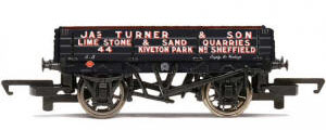 Hornby 'Jas Turner & Sons' - 3 Plank Wagon - R6742