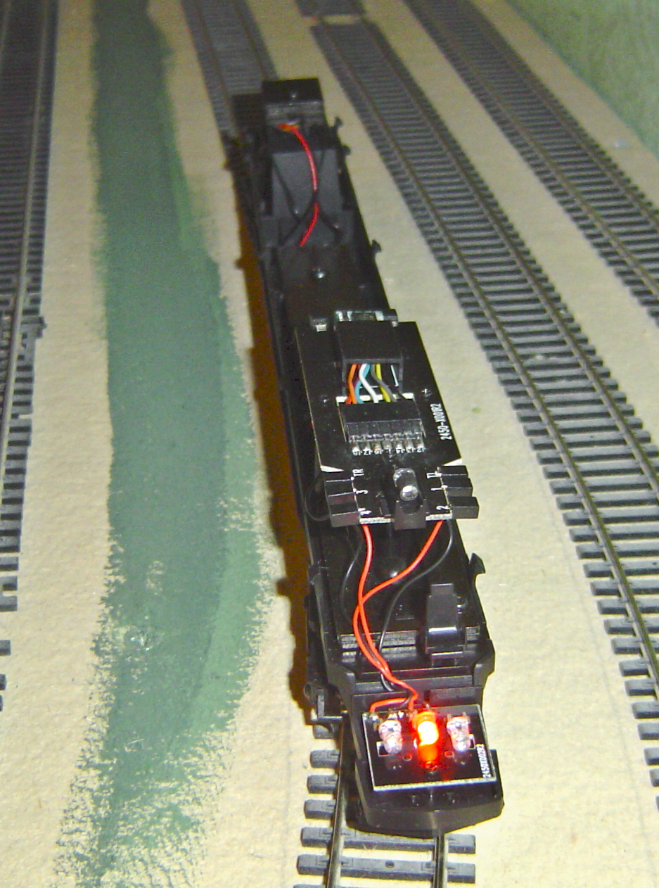 Plugged In Review >> Model Railway Hornby Locomotive Reviews - Virgin Pendolino