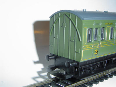 "Hornby Model Railway Wagon Review - SR Olive Four – Wheel Coach ""350"" (R4135)"