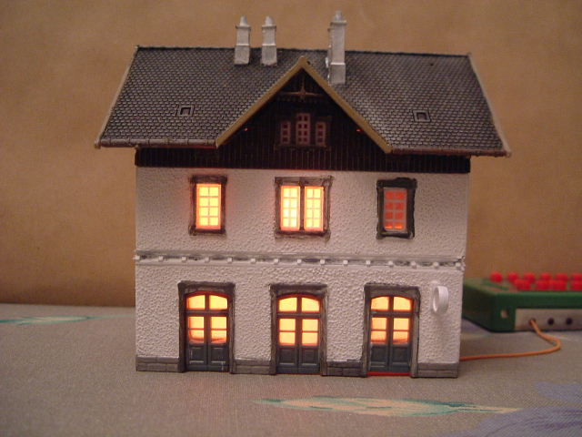 Model Railway House Lighting